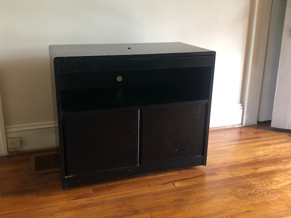 TV Stand w/ swivel top & push doors