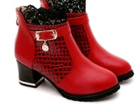 NEW Beautiful woman's Boots, size 8 London, N6C 4W2