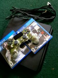 Sony PS4 console with controller and 2 game Salem, 08079