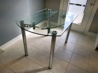 Extendable Glass Dining Table + 4 Chairs Mississauga