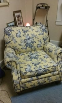 lazy boy  chair had been recovered this is a nice  San Antonio, 78205