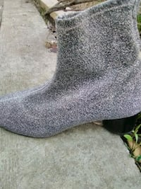 like new silver sparkly boot style Waterloo, N2L 3W6