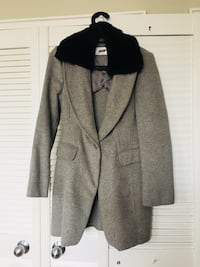 Gently used wool blend coat Toronto, M2N 0J4