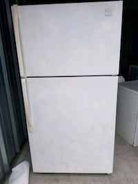 whirlpool top freezer fridge Ocean County, 08701