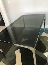 5ft Modern Glass table Oakville, L6M 0T8