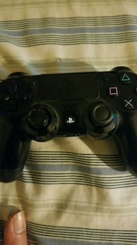 black Sony PS4 DualShock 4 Washington, 20001