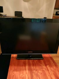32' tv with remote Morrisville, 27560