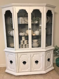 China Cabinet with glass shelving and light Aldie, 20105