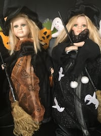 Two limited edition, Cracker Barrel animated, light up witch dolls! Locust Grove, 22508