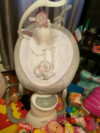 Baby  swing barely used. 2 in one  Boston, 02128