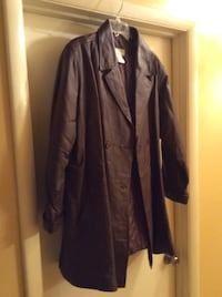 Women's brown leather jacket size 24, never worn. Oxon Hill, 20745
