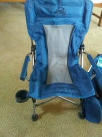 Kids camping chair in a bag brand new 927 mi