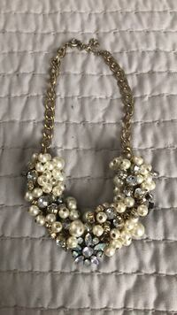gold-colored and white pearl necklace San Antonio, 78250