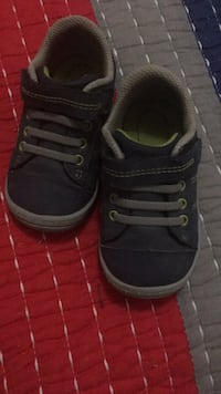 Boys shoes size 5 Edinburg, 78542