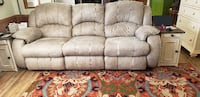 Sofa with Elec Recliners on each end Rockvale