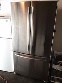 Stainless steel french door refrigerator Toronto, M9N 3E4