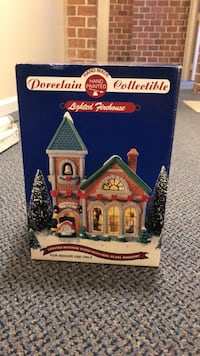 Old porcelain Christmas fire house Baltimore, 21236
