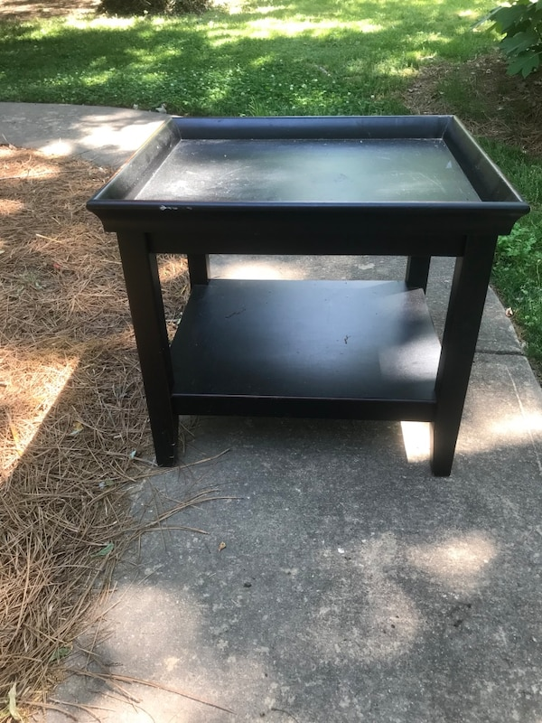 Pier One Black Side Table Excellent Condition
