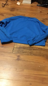 Adult xs blue top Calgary, T3J 4N2