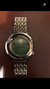 Woman Real woman Versace whach read more (make offer now low baller ) Montréal, H4E