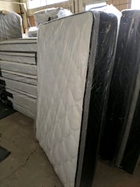 TWIN/FULL SIZE MATTRESS AND BOX SPRING Bakersfield, 93307