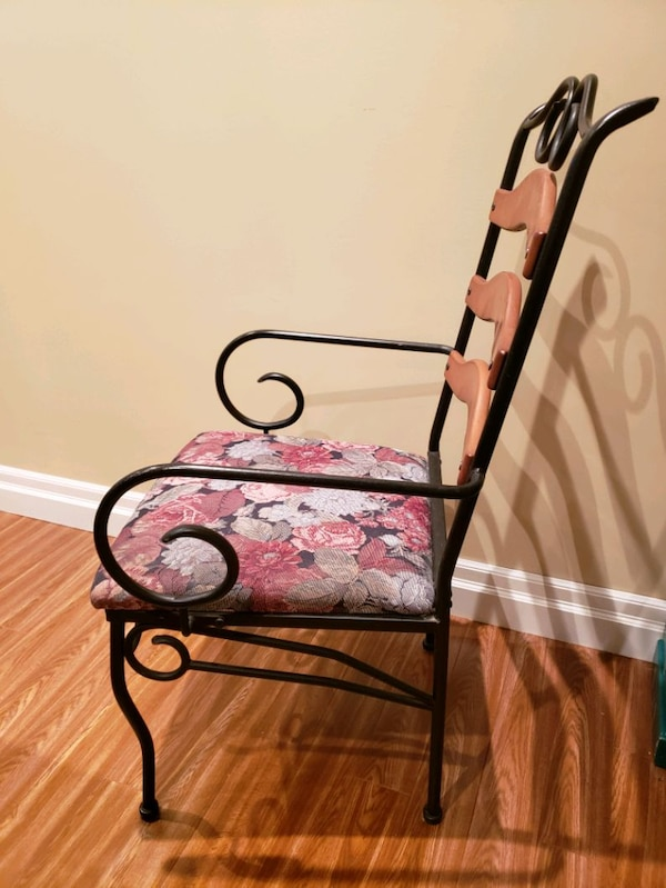 Metal frame chairs with fabric seat  4ad90337-7297-43d4-93a8-e56d51928c01