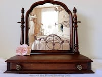 Antique swivel mirror with single drawer Mississauga, L5G 2K4