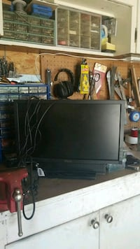20 inch monitor with sound bar  Winnipeg, R3T 5X1