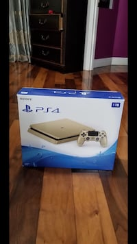 Sony PS4 console with controller box Newport News, 23608
