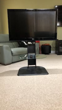 Television 42' + TV stand Boyds, 20841