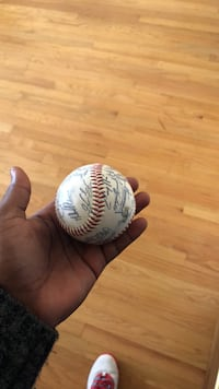 Autograph Milwaukee Brewers baseball