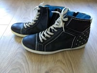 Dame par svarte high-top sneakers Oslo