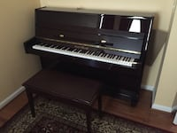 Upright Piano 8 km