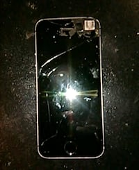 Broken iphone still good Lake Forest, 92610
