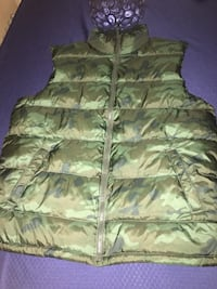 Old navy bubble vest size XL New York, 10459