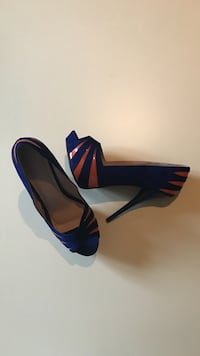 NEW. SIZE: 10. Women's blue-and-orange open toe heeled pumps