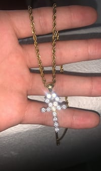 18k gold plated rope chain w/ pendant