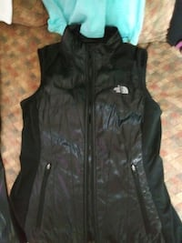 North Face black zip-up vest and jacket  Wenatchee, 98801