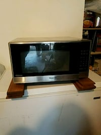 black and gray Emerson microwave oven Abita Springs, 70420