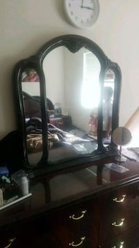 brown wooden framed mirror with mirror Des Moines, 98198