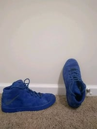 Nike/lebron blue suede shoes Conway, 29526