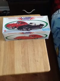 Red and white coupe scale models Blainville, J7C 5X9