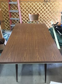 Laminate table & chairs Bridgeville, 19933