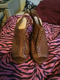 ladies shoes used once size 3-4 El Paso, 79907