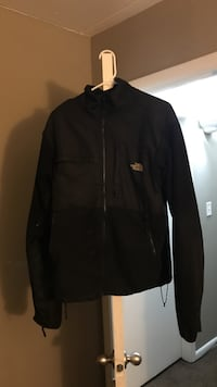 Black the north face full-zip jacket