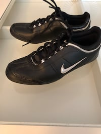 *Ladies Nike Running Shoes*$25* Toronto, M1X 1K7