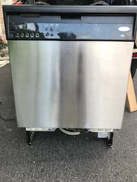 Stainless steel and black dishwasher Vaughan, L4L 9H7