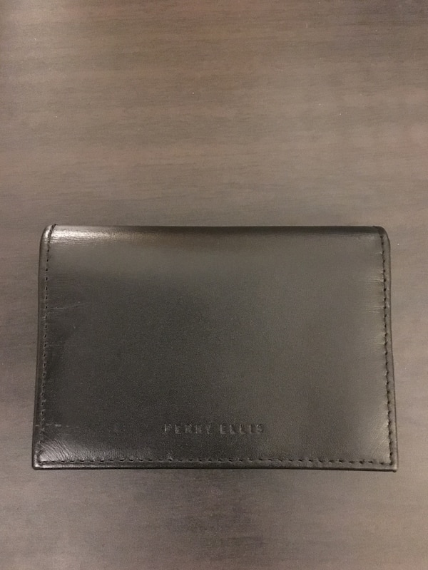 Beautiful Genuinen Leather Perry Ellis Wallet