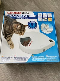 Automatic pet feeder dry food and wet food