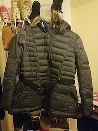The north face womens jacket in size xl color grey Capitol Heights, 20743